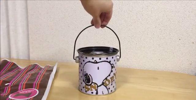 スヌーピーバレンタインチョコペール缶1