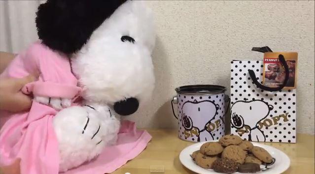 スヌーピーバレンタインチョコ喜ぶ3
