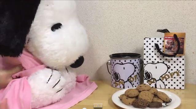 スヌーピーバレンタインチョコ喜ぶ4