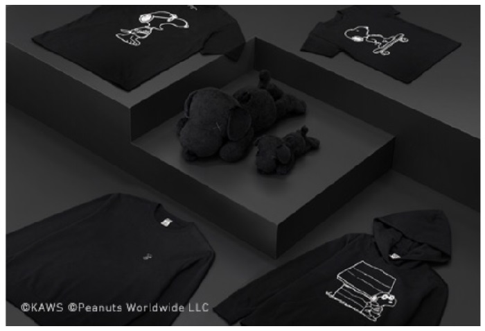 スヌーピーとカウズのユニクロ再コラボ✴︎真っ黒になったスヌデザイン♪